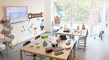 Der Raum Makerspace mit Ausstattung
